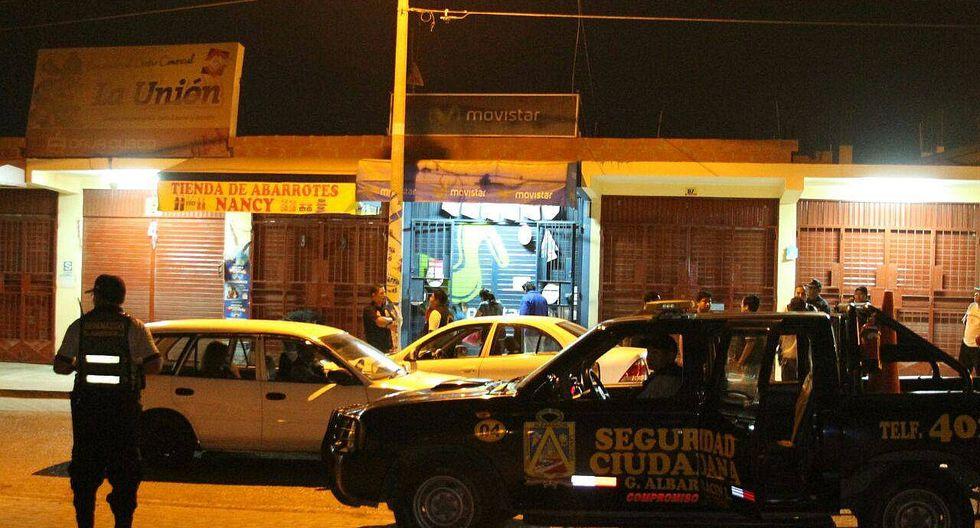Pistoleros asaltan tiendas a pocos metros de comisaría y base de serenazgo