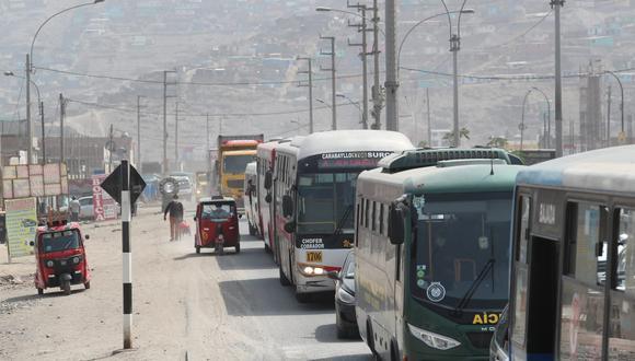 Gremio de transporte terrestre mostró su apoyo al grupo de transportistas de carga que acata un paro indefinido desde el 15 de marzo. (Foto: Lino Chipana Obregón / @photo.gec)