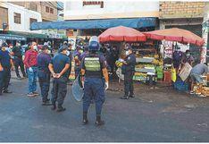 Retiran a informales que ocupaban calles de Chimbote a pesar de estado de emergencia