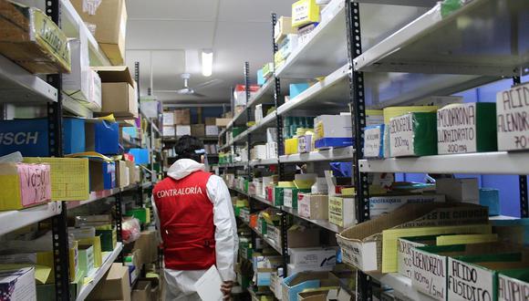 Familias de pacientes COVID viven un viacrucis por conseguir medicinas
