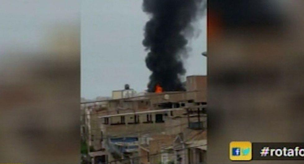 Se registra incendio en almacén en San Juan de Miraflores (VIDEO)