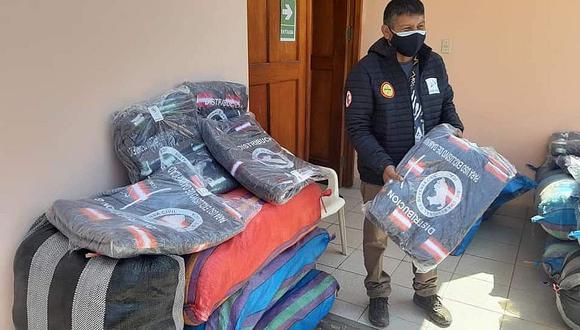 Gobierno Regional de Ica dona frazadas al centro de aislamiento temporal Covid-19 de La Tinguiña
