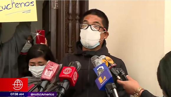 Familiar de menor muerto en persecución policial que se extendió hasta San Miguel.   Foto: América Noticias.