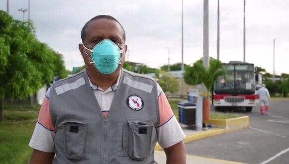 El director de Salud de Tumbes recibió a los compatriotas afectados por el coronavirus en el centro de control fronterizo. (Foto: Diresa Tumbes)