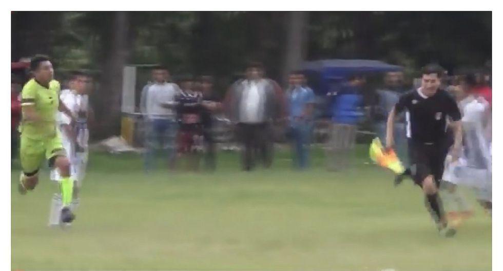 Copa Perú: jugador expulsado correteó al juez de línea para golpearlo (VIDEO)
