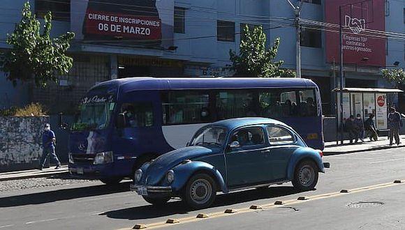Buses y taxis operan desde hoy en Arequipa, pero sin descarte de COVID-19