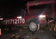 Violento choque de vehículos deja dos heridos en la vía Juliaca-Arequipa