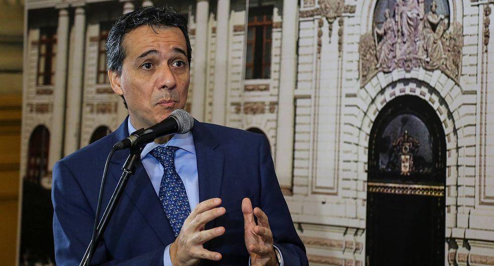"""Alonso Segura: actual gobierno """"ha exagerado el déficit fiscal"""""""