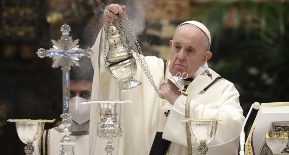 Imagen referencial. El papa Francisco celebra una Misa Crismal en la Basílica de San Pedro, en el Vaticano, el 1 de abril de 2021. (EFE/EPA/Andrew Medichini).