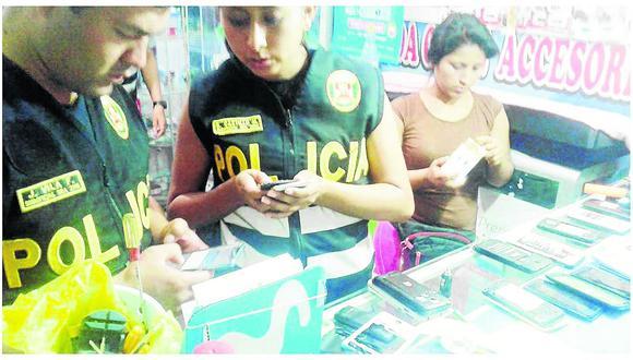 Incautan 46 celulares 'robados' en céntricas tiendas de Pichanaki