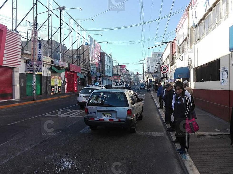 Transporte urbano acato paro en Tacna
