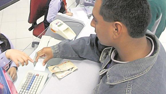 Darán bono de 400 soles por escolaridad para estatales nombrados y contratados