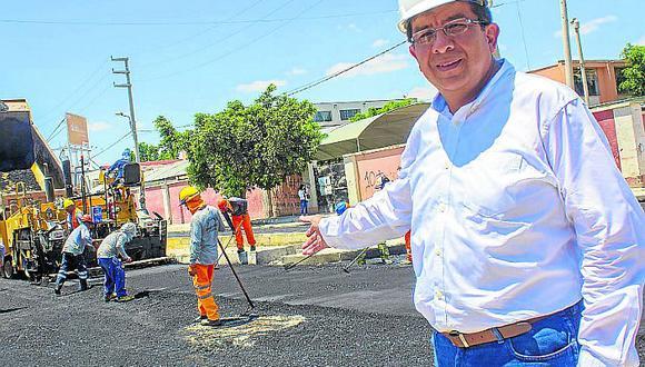 Citan a alcalde y funcionarios por la licitación de obras en. León Arechua