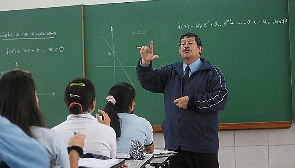 Lucio Castro consideró que el regreso a clases presenciales debe ser una prioridad. FOTO: LINO CHIPANA / EL COMERCIO