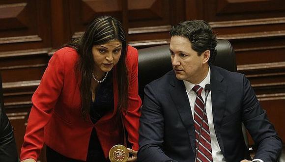 Karina Beteta considera que Salaverry no puede pedir explicaciones a Campos por recorte de sueldos (VIDEO)