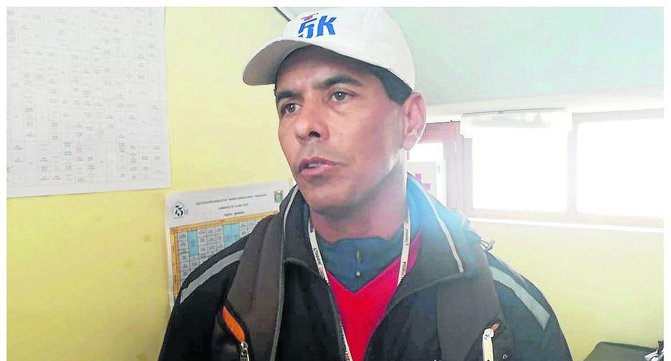 Profesor venezolano denuncia discriminación en colegio estatal que lo contrató