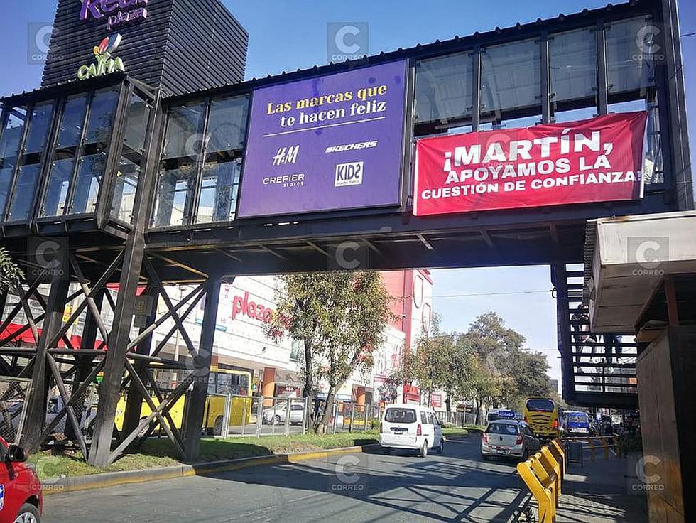 Aparecen letreros de apoyo a Presidente Vizcarra (FOTOS)