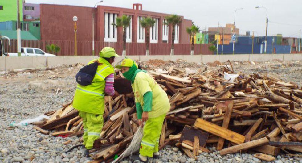 20 toneladas de basura se recogieron de playa del Callao (FOTOS)