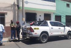 """Roban con """"bujiazo"""" en camioneta estacionada en afueras de restaurante"""