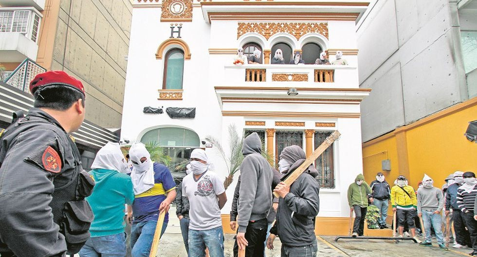 40 vándalos asaltan hotel en Miraflores