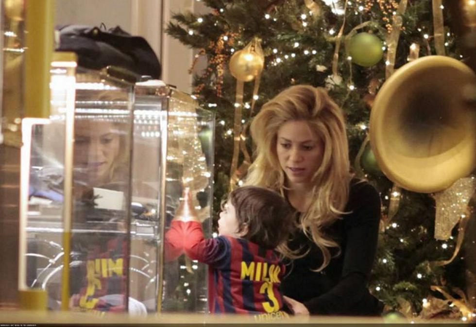 Shakira comparte su primera navidad con Milan