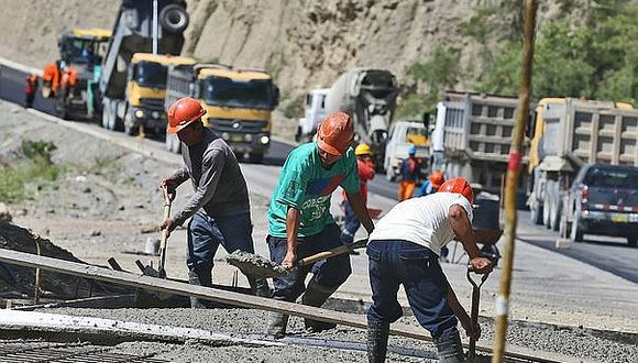Inversión pública vuelve a caer en mayo por baja ejecución de municipios