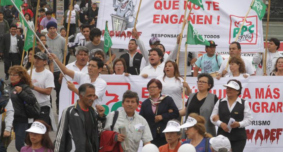Marcha estudiantil contra el terrorismo fue masiva