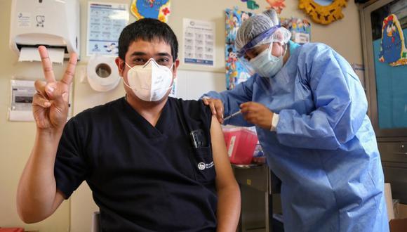 Tercera dosis será aplicada en primera instancia a personal de salud en primera línea. (Foto: Minsa)