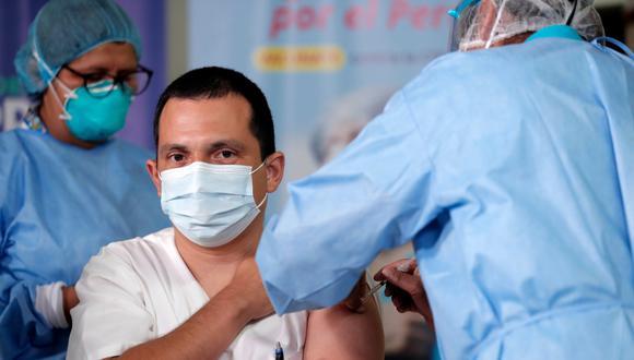 Minsa inició ayer con el plan de vacunación contra la COVID-19. (Foto: Minsa)