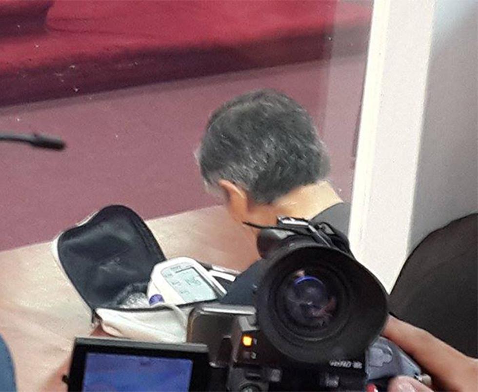"""Un Fujimori demacrado reaparece en juicio por """"diarios chicha"""""""