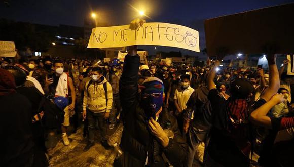 Protestas en Lima, casi un año después de las protestas realizadas en todo Chile.