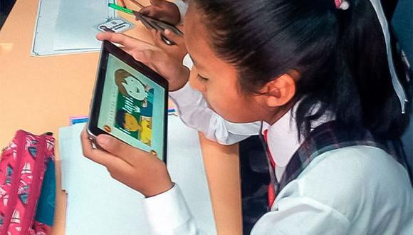 Benavides señaló este viernes 18 de agosto, el sector de Educación realizará una segunda convocatoria a los fabricantes que no presentaron sus propuestas del pasado 14 de agosto para adjudicar las tabletas que faltan. (Foto: El Peruano)