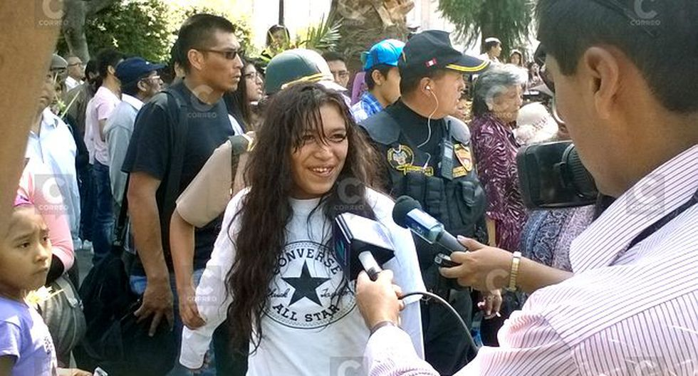 Semana Santa: PNP detiene a mujer que sacó una pistola en plena bendición de ramos