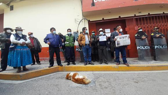 El dirigente del distrito de Caracoto, Roger Huacani Payé, informó que han sido burlados por las autoridades del Gobierno Central.