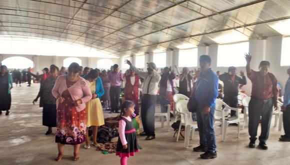 Personal de fiscalización de la municipalidad Ciudad Nueva intervino dos templos ubicados en el cerro Intiorko donde estaban reunidos 600 personas