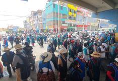 Comerciantes del Avelino Cáceres exigen cambio de asfalto de la avenida Vidaurrazaga