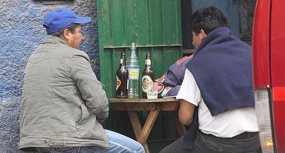 Científicos encuentran nuevos genes culpables del alcoholismo en algunas personas