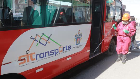 Mejorarán limpieza y desinfección en buses| Foto: Correo