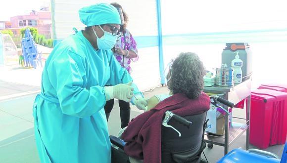 Este 6 y 7 de mayo vacunan en distritos de Arequipa