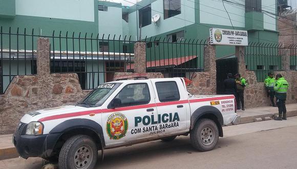 Los policías y el fiscal realizan una serie de diligencias para determinar la situación legal de los intervenidos. (Foto: Referencial)