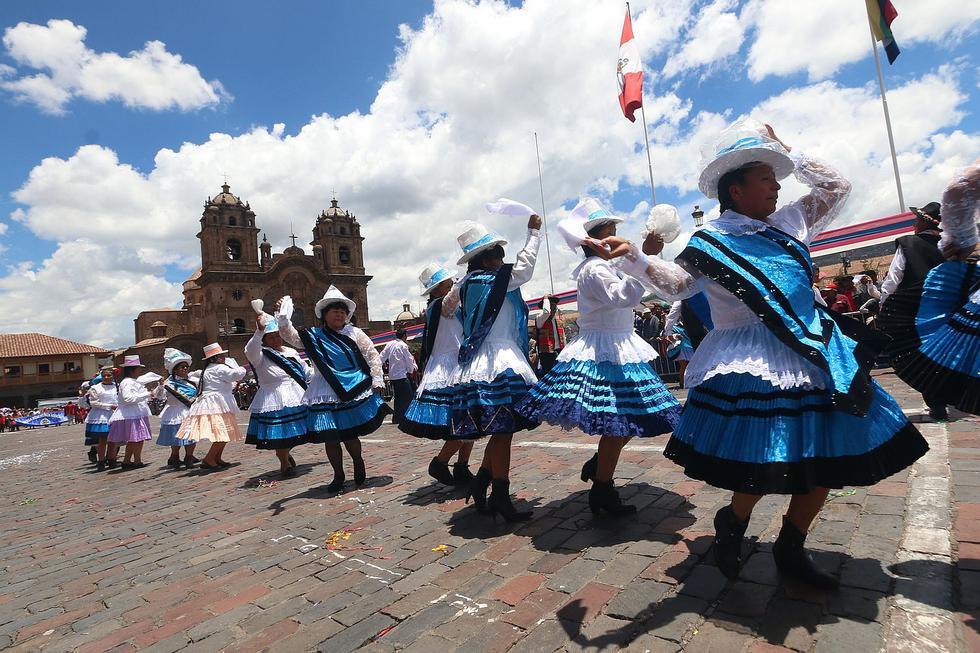 Cusqueños y turistas celebraron así el último día de Carnavales (FOTOS)