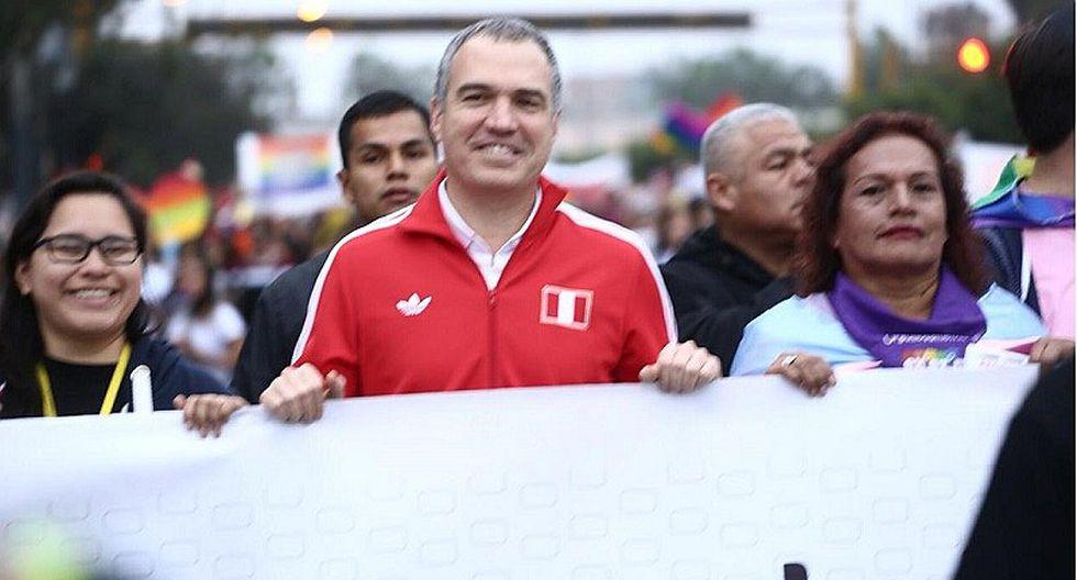 Salvador del Solar participó en la marcha del orgullo LGTBIQ