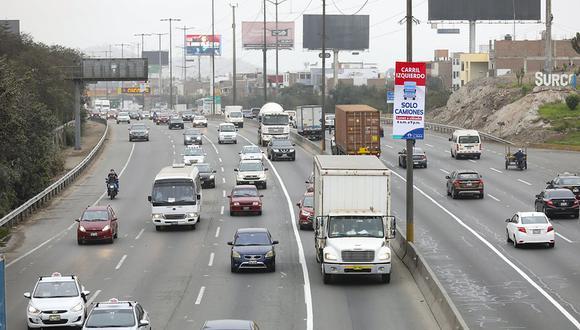 Más de 5,400 autos ingresaron al carril izquierdo de la vía y 65 camiones  infringieron el pico y placa