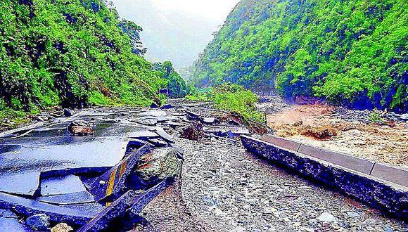 Ocho carreteras del país interrumpidas por huaicos y derrumbes