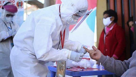 Arequipa: Hospital Docente de la UNSA aplica pruebas rápidas de coronavirus al público