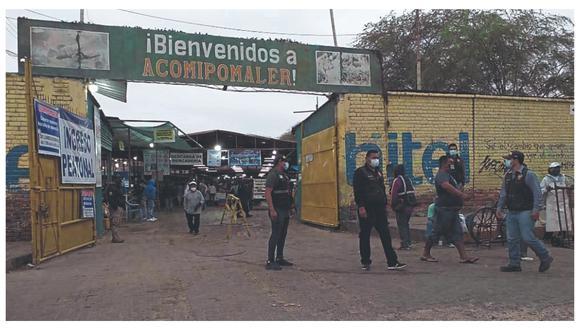 Cerca de 50 fiscalizadores se trasladaron al Complejo de Mercados para controlar la aglomeración de personas y ambulantes.