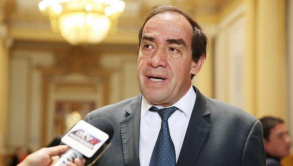 Yonhy Lescano tildó de hipócritas a fujimoristas y apristas por pedir renuncia de Chávarry