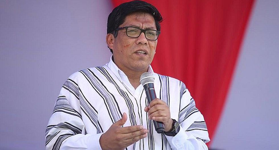 Vicente Zeballos: Los peruanos reclaman diálogo y unidad