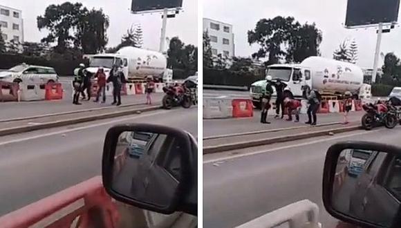 Lima 2019: Policía castiga de esta manera a motociclistas que invadieron carril exclusivo (VIDEO)