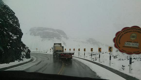 Nevadas persisten en varias provincias de Puno